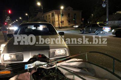 na-zaporizhzhi-ford-protaraniv-parkan-abi-ne-vd197hati-v-inshe-avto-foto-video.jpg