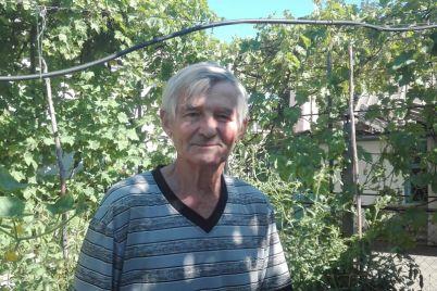 na-zaporizhzhi-v-sadu-misczevogo-pensionera-kvitne-blizko-150-kaktusiv-foto.jpg