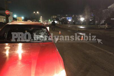 na-zaporizhzhi-zhinka-yaka-perebigala-dorogu-potrapila-pid-kolesa-avto-foto.jpg