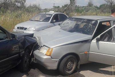 na-zaporozhskom-kurorte-v-avarii-postradali-zhenshhina-s-rebenkom.jpg