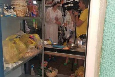 na-zaporozhskom-kurorte-v-populyarnoe-kafe-navedalsya-revizor-foto.jpg