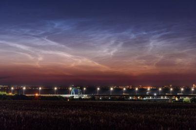 nad-zaporozhe-zapechatleli-redkie-serebristye-oblaka-foto.jpg
