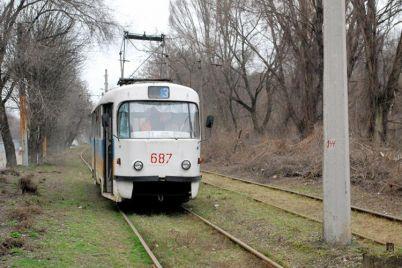 napryazhenie-ne-ostanovilo-v-zaporozhe-ukrali-tramvajnye-trollei.jpg