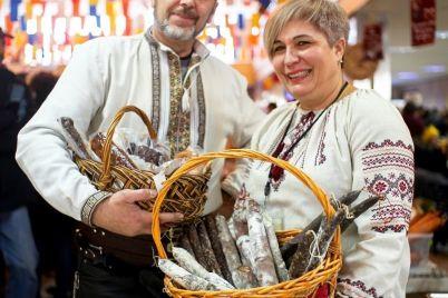 naturalno-polezno-i-vkusno-v-zaporozhe-budet-fermerskij-market-craft-market-gde-svoyu-produkcziyu-predstavyat-mestnye-fermery.jpg