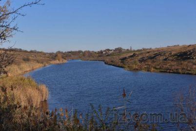 nedaleko-ot-zaporozhya-mozhno-posmotret-na-vodopad-foto.jpg