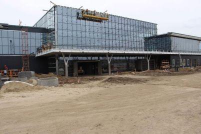 novyj-zaporozhskij-aeroport-hotyat-pribrat-k-rukam-zaporozhstalevczy-istochnik.jpg
