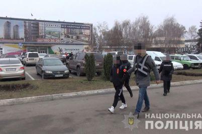 nu-i-nu-v-zaporozhe-zaderzhali-sutenershu-pytavshuyusya-vyvezti-za-graniczu-16-letnyuyu-devochku-1.jpg