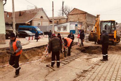 odna-iz-ulicz-melitopolya-vyglyadit-kak-posle-bombezhki-foto.jpg