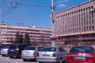 odna-z-zaporizkih-sluzhb-taksi-bezkoshtovno-pidvozitime-medikiv.jpg