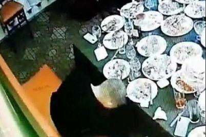 oficzer-nikolaevskoj-policzii-obokral-na-vecherinke-svoih-byvshih-odnoklassnikov-foto-video.jpg