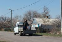 ot-koronavirusa-v-zaporozhskoj-oblasti-svyashhennik-na-gruzovike-okropil-sela-svyatoj-vodoj.jpg