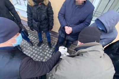 otrimav-habar-v-5-tisyach-siloviki-zatrimali-vijskovogo-prokurora-zaporizkogo-garnizonu-foto.jpg
