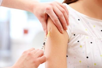 pered-vtoroj-volnoj-covid-19-ukrainczev-vakcziniruyut-ot-grippa-lyashko.jpg