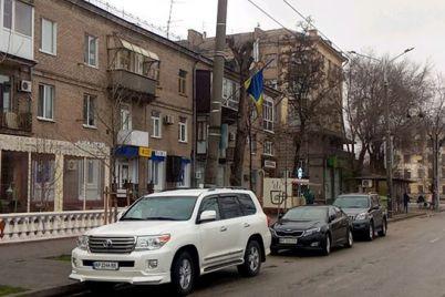 pervyj-poshel-voditel-kotoromu-vypisali-shtraf-za-nepravilnuyu-parkovku-v-zaporozhe-podal-v-sud-foto.jpg