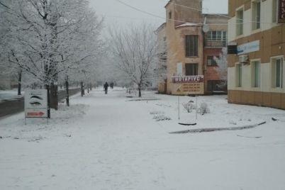 pervyj-sneg-poradoval-ne-vseh-zaporozhczev-foto.jpg