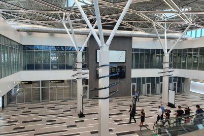 piar-buryaka-obhoditsya-gorodu-dorogo-vitalij-tishechko-prokommentiroval-otkrytie-novogo-terminala-v-aeroportu-zaporozhe.jpg