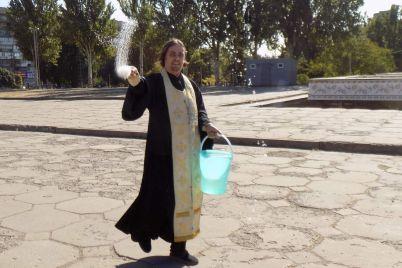ploshhu-na-yakij-projshov-marsh-lgbt-ochistili-svyashheniki-foto.jpg