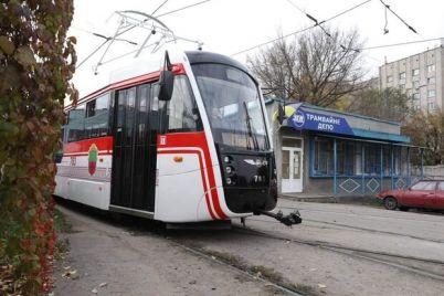 plyus-odin-v-zaporozhe-sobrali-novyj-tramvaj-kotoryj-skoro-vyjdet-na-marshrut.jpg