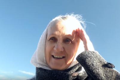 po-nashim-dorogam-ezdit-nelegko-zaporozhskaya-babushka-na-giroskutere-dala-intervyu-video.png
