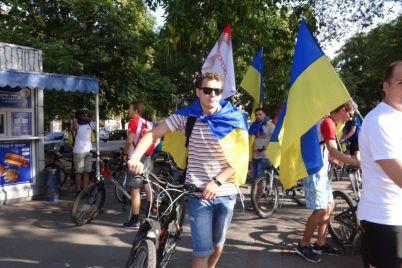 po-zaporozhyu-pronessya-patrioticheskij-veloprobeg-foto.jpg