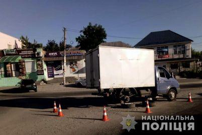 poblizu-zaporizhzhya-vodij-napidpitku-zbiv-zhinku-nebajduzhi-zvilnyali-postrazhdalu-z-pid-transportu-foto-video.jpg