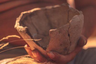 pod-zaporozhem-arheologi-nashli-artefakty-kotorym-neskolko-tysyach-let-foto.jpg