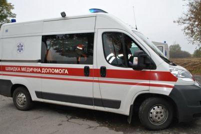 pod-zaporozhem-pyanaya-mat-popala-v-avariyu-na-skutere-ee-7-letnyaya-doch-v-kome-video.jpg