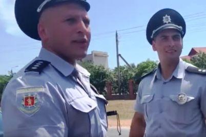 policzejskij-kotorogo-uvolili-posle-konflikta-s-voditelem-pytaetsya-vosstanovitsya-v-dolzhnosti.jpg