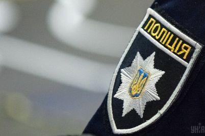 policziya-zatrimala-cholovika-yakij-namagavsya-vbiti-meshkanku-zaporizhzhya.jpg