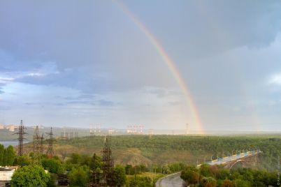 polyubujsya-v-nebe-nad-horticzej-zametili-radugu-foto-1.jpg