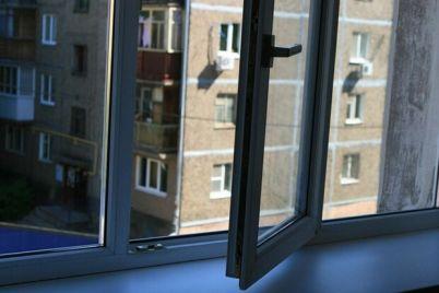 possorilsya-s-mamoj-v-zaporozhe-13-letnij-malchik-vyprygnul-iz-okna.jpg