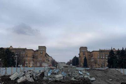 postament-lenina-na-ploshhadi-zaporozhskoj-polnostyu-snesli-foto-video.jpg