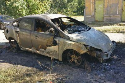 poyavilis-novye-podrobnosti-o-sozhzhennom-v-zaporozhe-avtomobile-foto.jpg