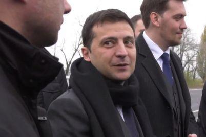 priehal-s-proverkoj-zelenskij-inspektiruet-trassu-zaporozhe-mariupol-video.jpg