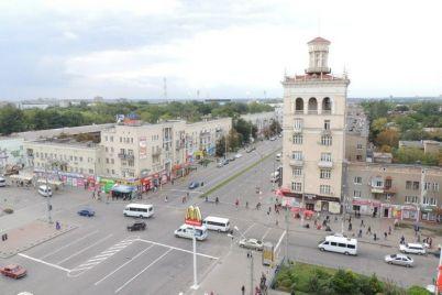 proezd-na-perekrestke-sobornogo-i-metallurgov-zakroyut-so-sleduyushhej-nedeli.jpg
