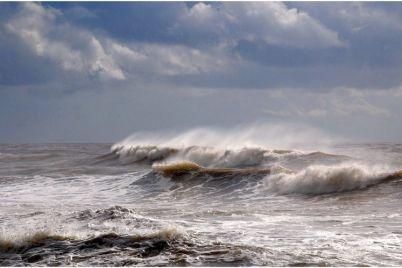 prognoz-pogody-v-zaporozhe-i-oblasti-shtorm-na-more-i-silnyj-veter.jpg