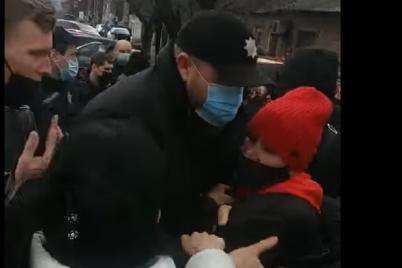 protesty-na-rynke-v-zaporozhe-otkryto-ugolovnoe-delo-iz-za-soprotivleniya-policzii.png