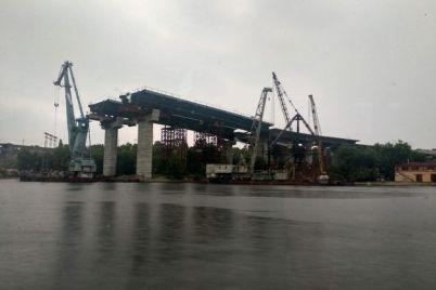 raboty-uzhe-nachalis-za-skolko-dolzhny-postroit-zaporozhskie-mosty.jpg