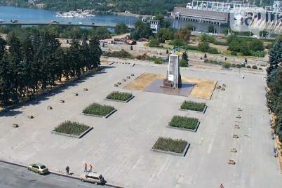 rekonstrukcziya-ploshhadi-zaporozhskoj-obojdetsya-v-100-millionov-griven-v-2020-godu-nachnut-so-snosa-pedestala.png