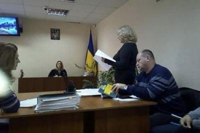rol-deputatov-golosovat-a-ne-znakomitsya-s-proektami-zaporozhskaya-obshhestvennicza-obzhaluet-5-reshenij-oblsoveta.jpg