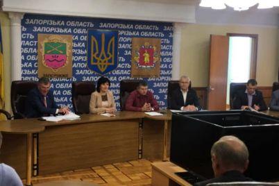 rukovoditeli-otg-v-zaporozhskoj-oblasti-poluchili-ordena.jpg