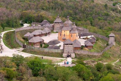 s-ostrova-horticza-snyali-karantin-a-vot-zaporozhskaya-sech-vse-eshhe-zakryta.jpg