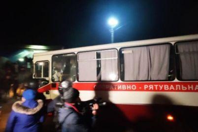 sered-evakuyuvanih-z-kitayu-ukrad197ncziv-yakih-ne-puskali-do-sanatoriyu-d194-meshkanczi-zaporizkod197-oblasti.jpg
