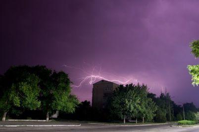 shtorm-i-groza-v-kirillovke-razygralas-nepogoda-video-foto.jpg