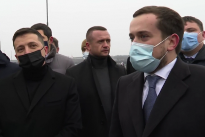 skoro-poedem-zelenskij-inspektiruet-novyj-most-v-zaporozhe-video.png