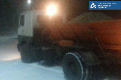 sneg-i-veter-11-naselennyh-punktov-v-zaporozhskoj-oblasti-obestocheno-a-dorozhniki-rabotayut-v-usilennom-rezhime-foto.jpg