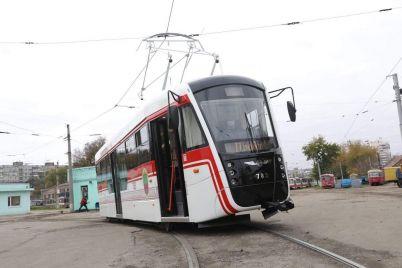 sogodni-na-viprobuvannya-vijshov-tretij-tramvaj-zibranij-na-kp-zaporizhelektrotrans.jpg