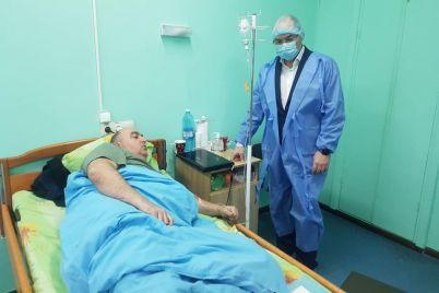sotrudniku-zaporozhskoj-infekczionnoj-bolnicze-vrucheno-podozrenie-a-chinovniki-soobshhili-kogda-meduchrezhdenie-nachnut-remontirovat.jpg
