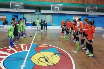 sportsmeny-iz-zaporozhskoj-oblasti-vstupili-v-borbu-za-pobedu-v-yuniorskom-turnire-po-florbolu-foto.jpg