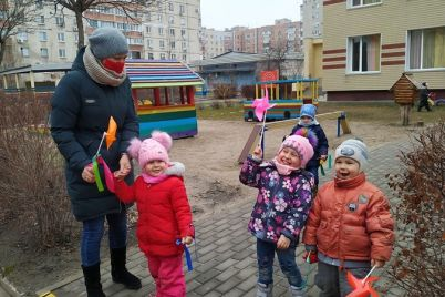 stalo-izvestno-kak-budut-rabotat-zaporozhskie-shkoly-i-detsady-v-yanvare.jpg